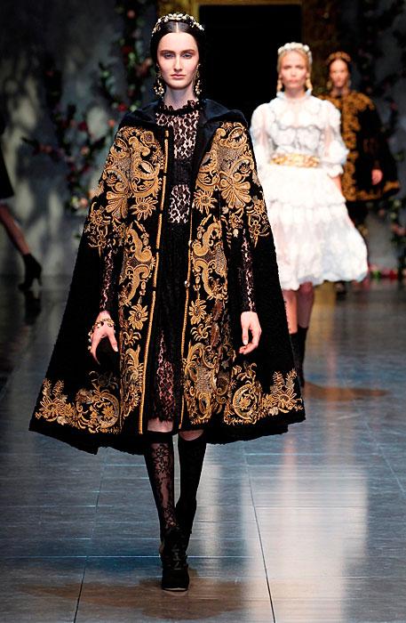 Dolce & Gabbana 2012 Mantella Ricavata