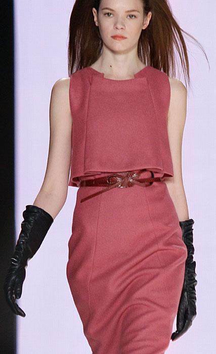 Carolina Herrera - guanti neri abito senza maniche rosa