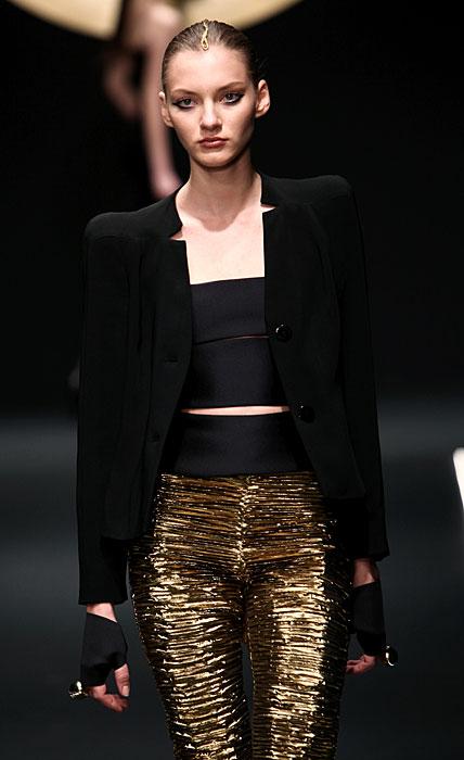 Krizia 2012 Cappotto Nero e Pantaloni Oro