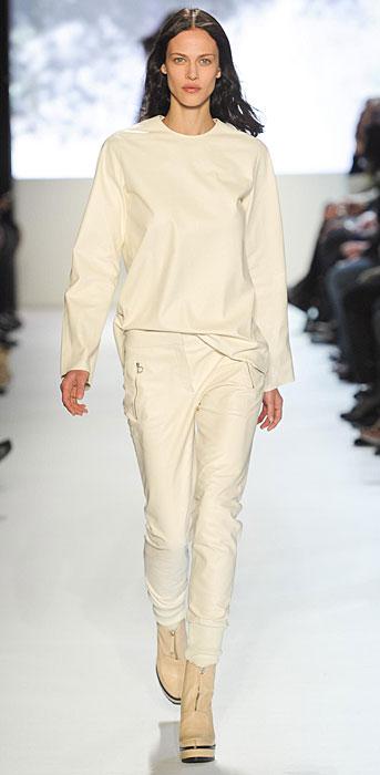 Lacoste -  maglia e pantalone bianco