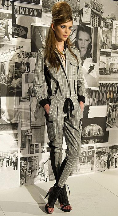 L.A.M.B - abito con pantalone e scarpe aperte con tacco