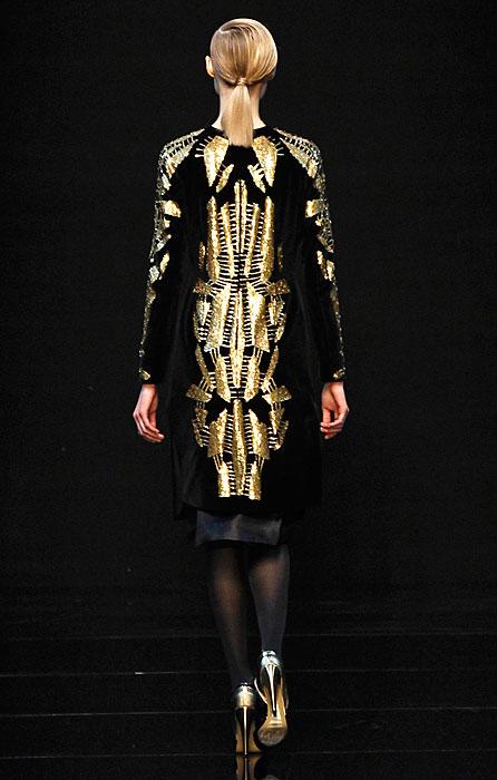 Guy Laroche 2012 2013 - cappotto oro e nero