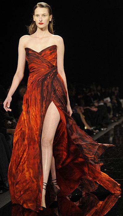 e6bab43f4158 La donna in rosso di Monique Lhuillier - www.stile.it