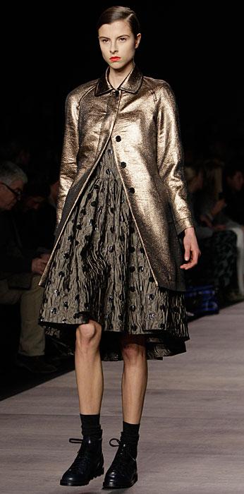 Marc by Marc Jacobs - abito e cappotto dorato
