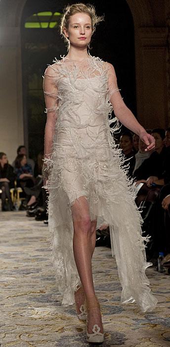 Marchesa - abito lungo con piume