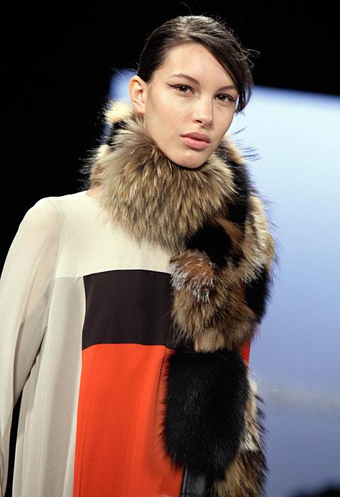 BCBG Max Azria - sciarpa pelliccia