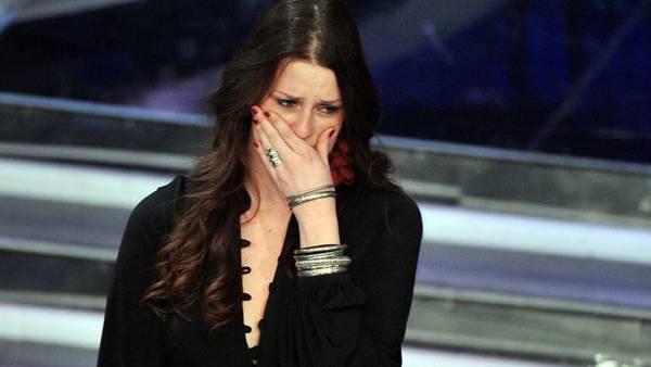 Irene Fornaciari piange