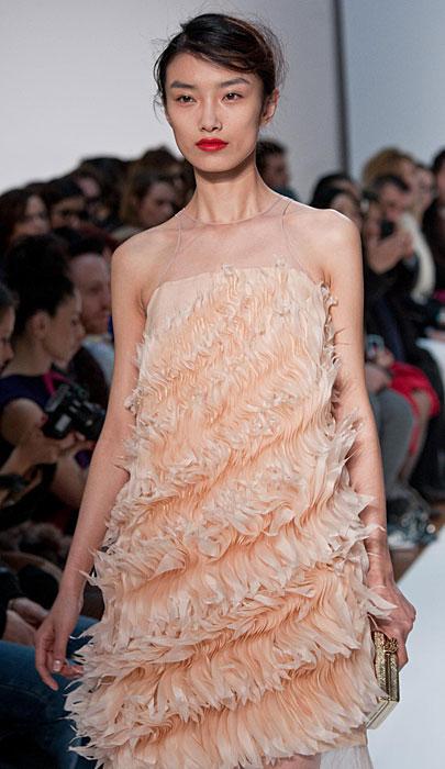 Mila Schon 2012 2013 - abito con piume
