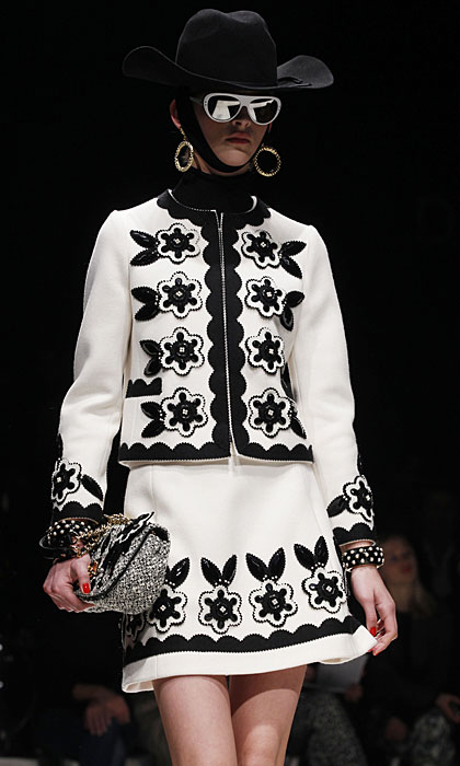 Moschino 2012 2013 Completo Giacca Gonna Fiori 79f08ee73b6