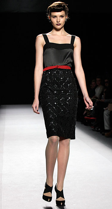 Jenny Packham - cinta rossa