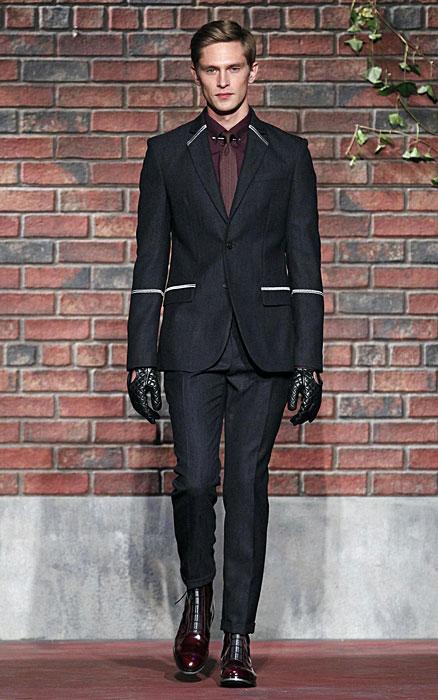 Tommy Hilfiger - completo nero con guanti