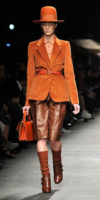 Trussardi 2012 Giacca Arancione e Pantaloni Corti