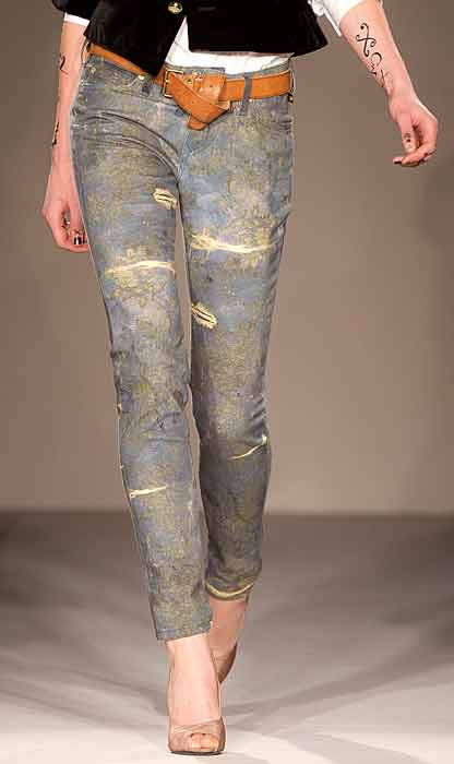 Vivienne Westwood Red Label - jeans strappato