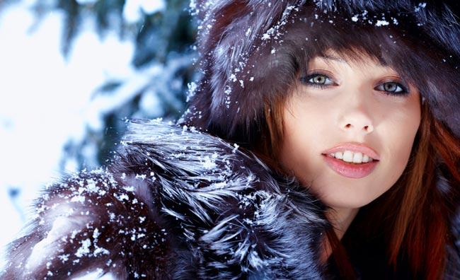 Donna cappello pelliccia neve