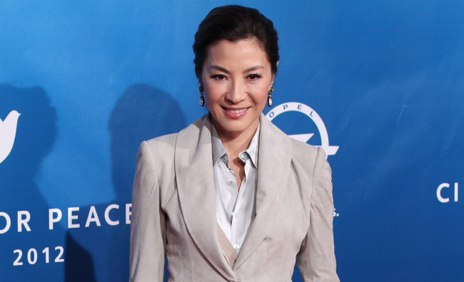Michelle Yeoh è Aung San Suu Kyi in 'The Lady'