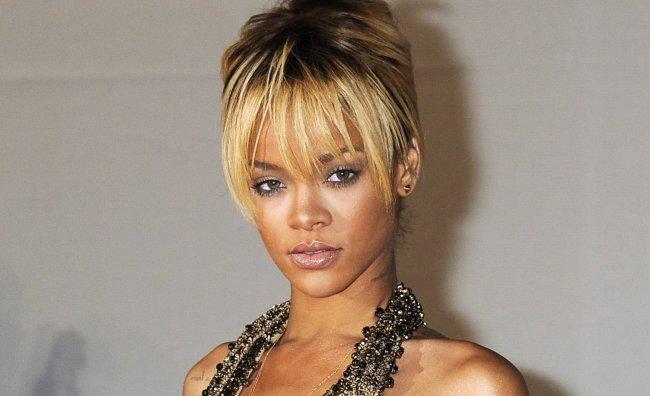 Clamoroso flirt: Rihanna  e Ashton Kutcher insieme