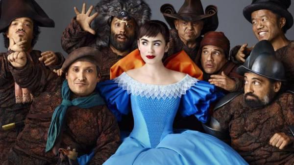 Biancaneve - Lily Collins e i sette nani
