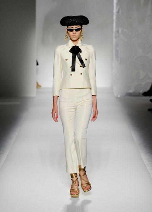 Completo pantaloni e giacca bianco Moschino