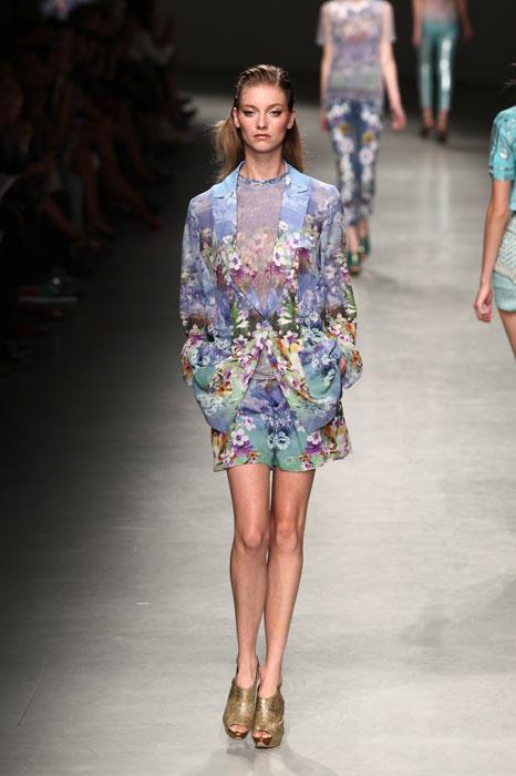 completo e giacca fiori Angelo Marani