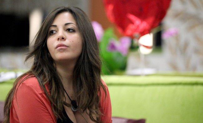 GF 12: Floriana torna ad attaccare Ilenia