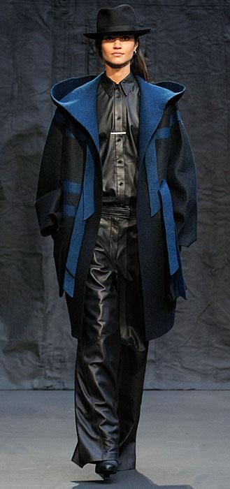 Hermès 2012 2013 - cappotto con risvolti blu