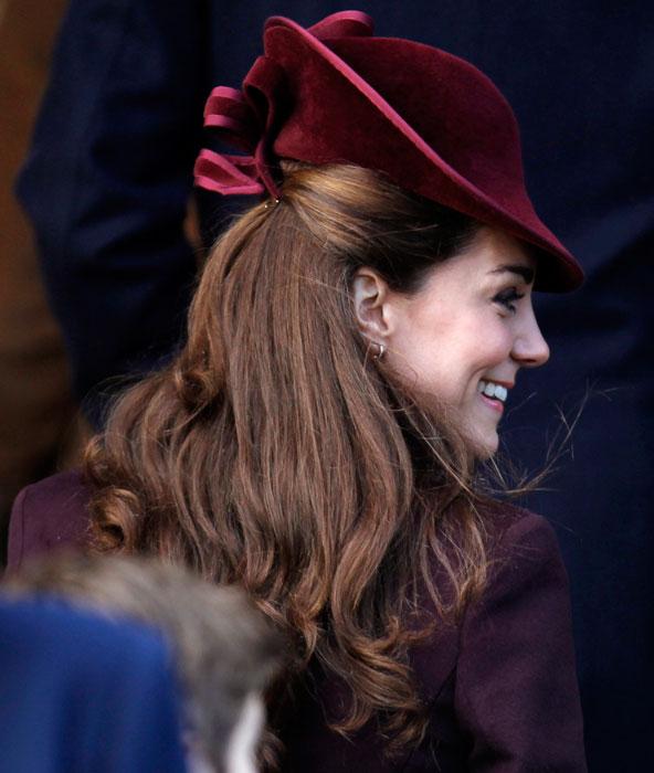 Kate Middleton - cappello bordeaux
