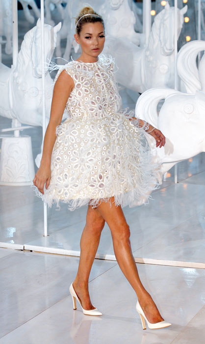 Kate Moss - abito bianco corto