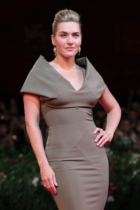 Kate Winslet - abito lungo marrone
