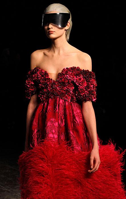 Alexander McQueen 2012 2013 - abito con piume