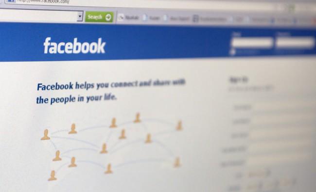 Facebook cambia: non siamo tutti amici
