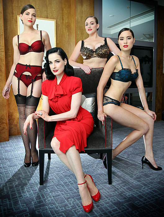 Dita Von Teese - lingerie