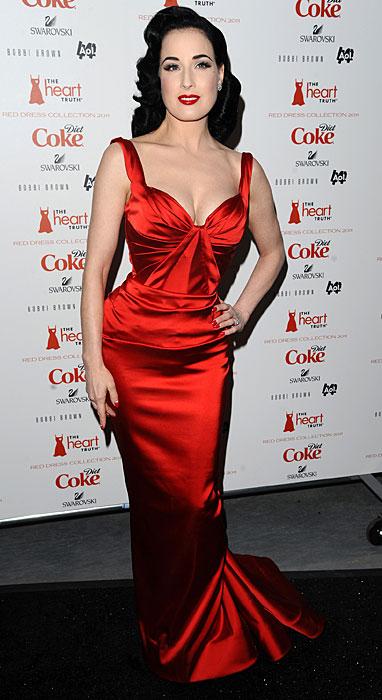 Dita Von Teese - abito rosso