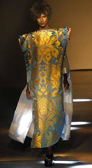 Vivienne Westwood 2012 2013 - abito con stampe dorate
