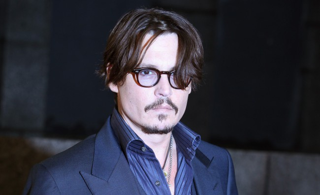 Johnny Depp vampiro in 'Dark Shadows' di Tim Burton