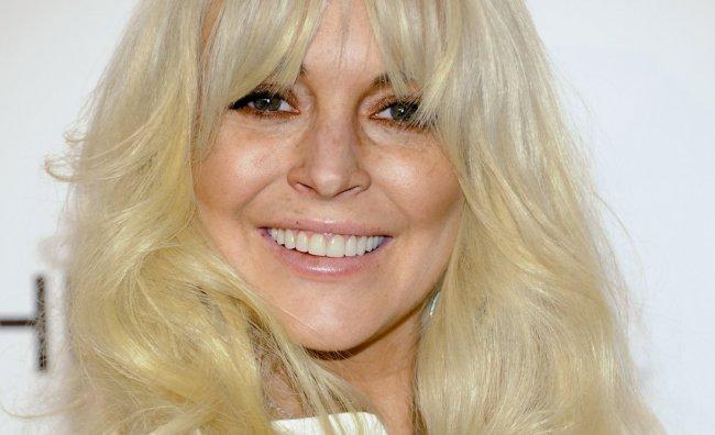 Lindsay Lohan vende un vagone di vestiti