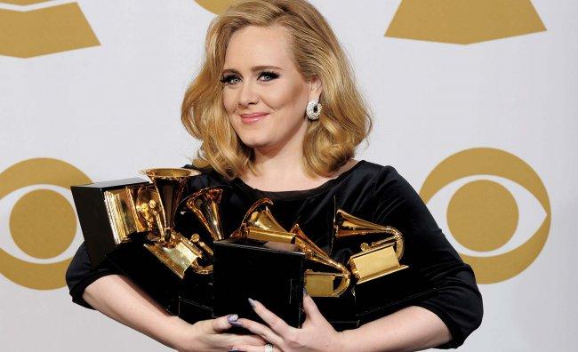 Adele è la musicista più ricca del Regno Unito