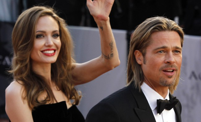 Jolie-Pitt: un anello ufficializza il fidanzamento
