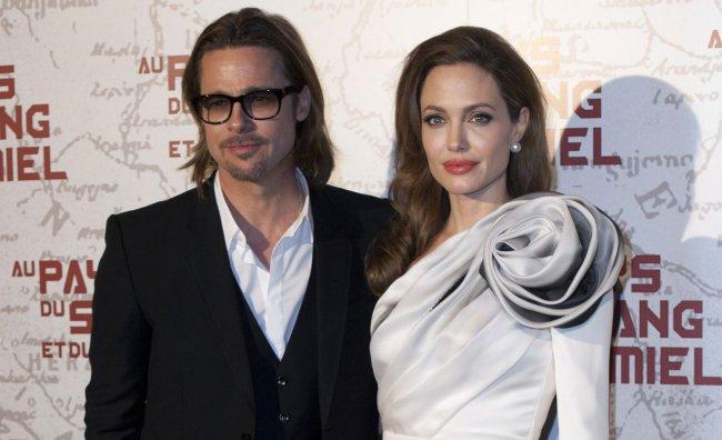 Le vacanze di Angelina e Brad arrivano su Twitter