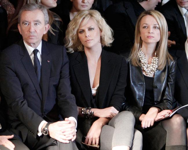 Bernard Arnault e Charlize Theron