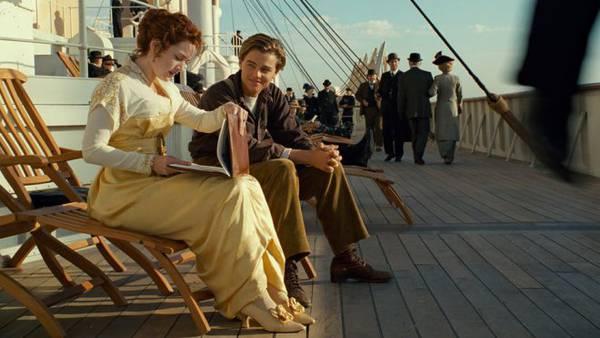 Leonardo DiCaprio e Kate Winslet sul set del film Titanic
