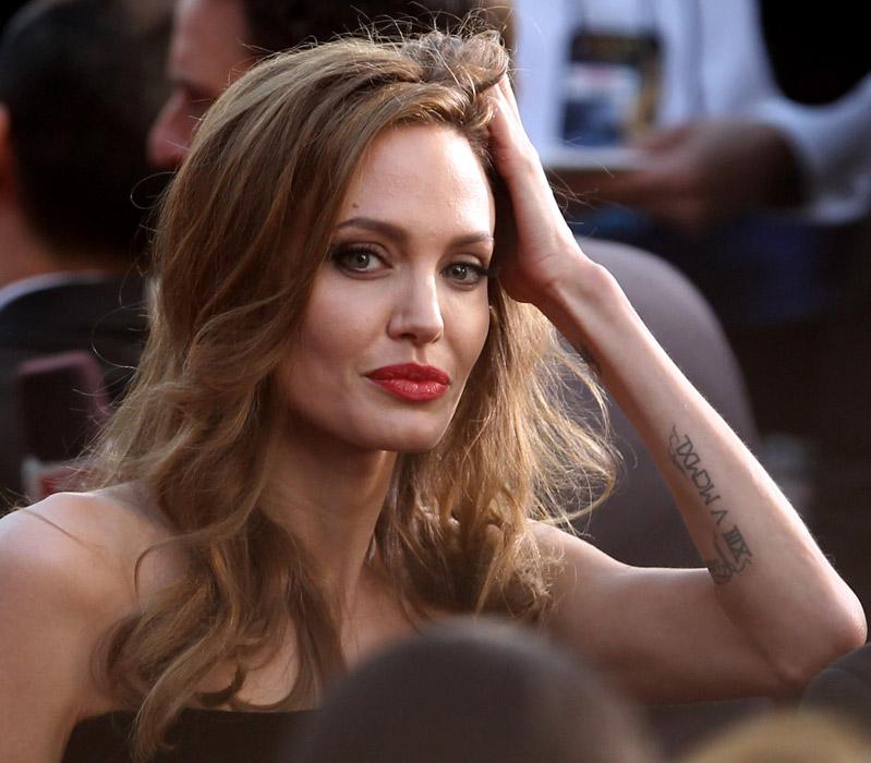Tatuaggio Angelina Jolie
