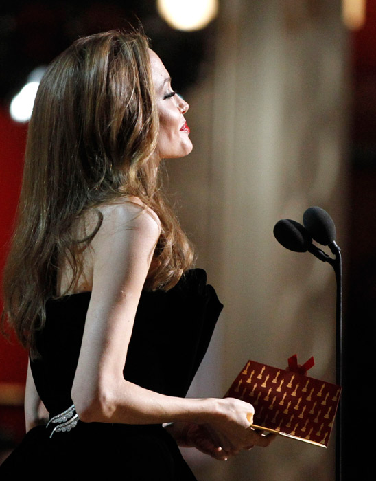 Angelina Jolie ai microfoni