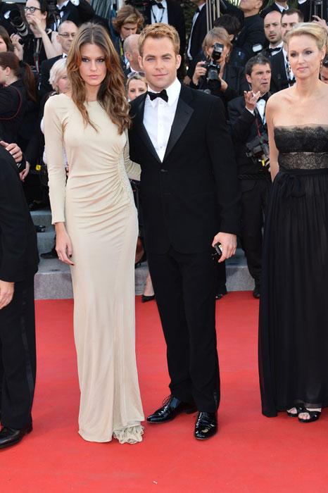 Chris Pine e Dominique Piek in Giorgio Armani