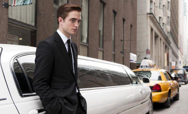 """In """"Cosmopolis"""" un Pattinson vestito Gucci"""