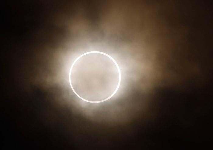 Eclissi anulare di sole Giappone foto