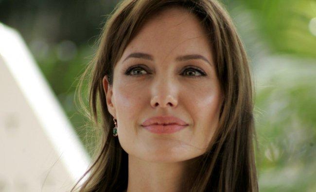 """""""Style di Jolie"""" e Angelina crea gioielli"""