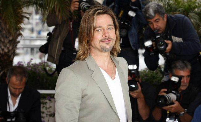Brad Pitt festeggia a Cannes l'addio al celibato