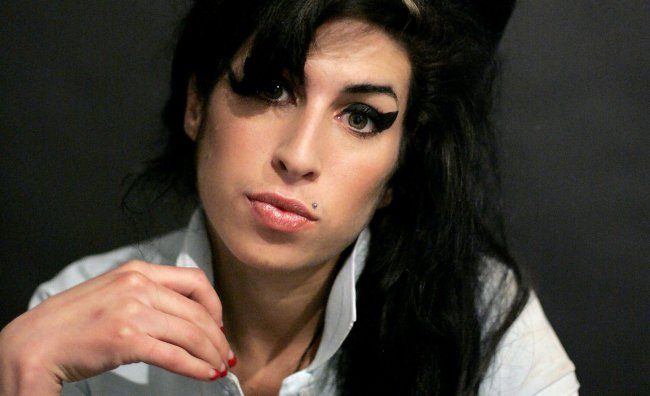 All'asta ritratto di sangue di Amy Winehouse