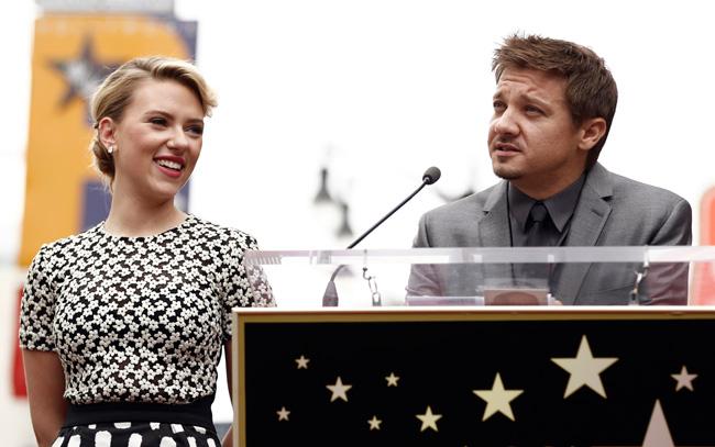 Scarlett Johansson e Jeremy Renner