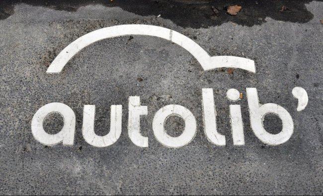 A Parigi nasce Autolib, il car sharing elettrico